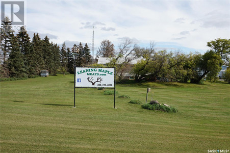 1 Leaning Maple Rd Strasbourg Sk in Mckillop Rm No 220, SK : MLS# sk840482