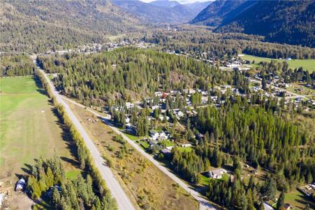 1 Windom Drive, Village Of Salmo
