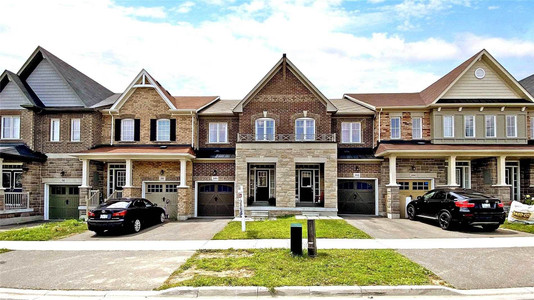 100 Cathedral Dr, Whitby
