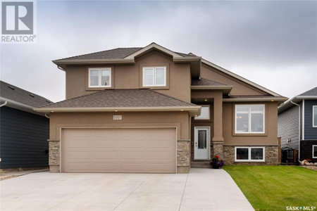 1007 Kloppenburg Bnd, Evergreen, Saskatoon