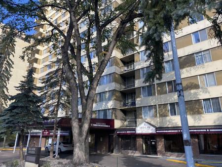 1009 9909 104 St Nw, Downtown Edmo, Edmonton