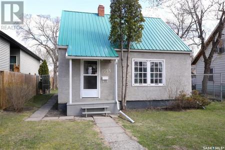 1055 Mctavish St in Regina, SK : MLS# sk852442