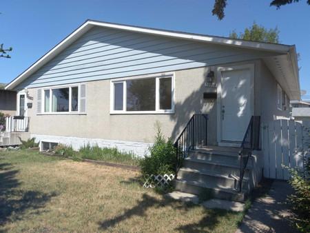 10818 51 Av Nw, Pleasantview Edmo, Edmonton