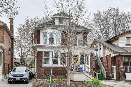 111 South Oval in Hamilton, ON : MLS# h4105106