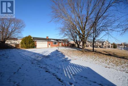 1135 Klondike Road, Morgan's Grant, Ottawa, Ontario, K2K1X7