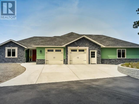 115 Falcon Place in Osoyoos - House For Sale : MLS# 187836