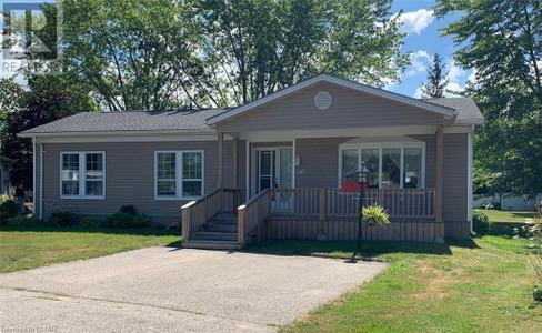 120 Homestead Heights, Grand Bend, Ontario, N0M1T0
