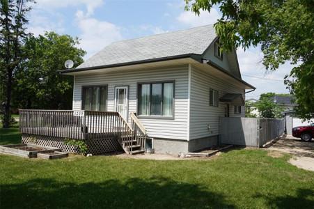 1209 Dawson Rd, Lorette, Manitoba, R5K0R9