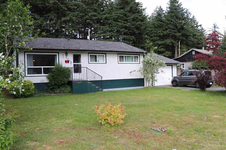 1215 6th Avenue in Hope - House For Sale : MLS# r2543954