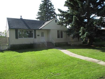 12330 79 St Nw Nw, Elmwood Park, Edmonton, Alberta, T5B2M1