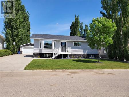 125 9th Ave W, Unity, Saskatchewan, S0K4L0