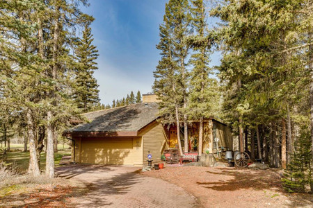 13 Wolf Crescent, Rural Rocky View County