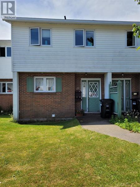131 Cumberland Crescent - Bedroom 7.90 x 9.70