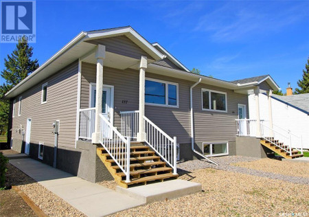 135 Independent St in Yorkton - House For Sale : MLS# sk842755