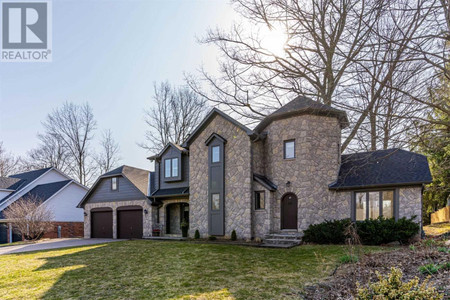 14 Kentmere Grve in Hamilton, ON : MLS# x5189995