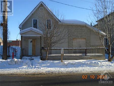 140 St Paul Street, Vanier, Ottawa