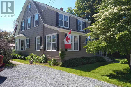 145 Commercial Street, Middleton, Nova Scotia, B0S1P0