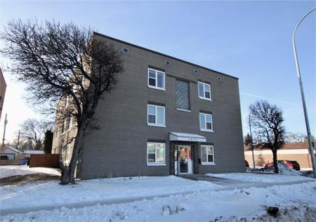 15 1812 Portage Ave Winnipeg