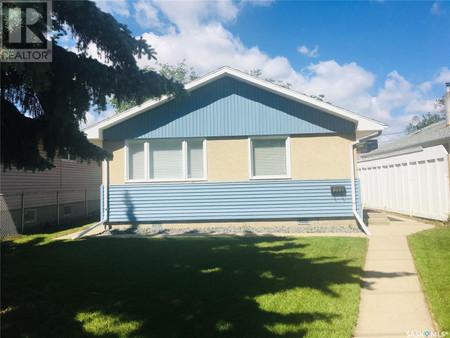 1530 Rothwell St, Glen Elm Park, Regina