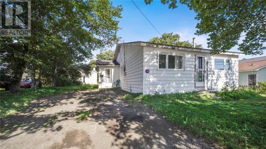 16 Hunts Lane - Porch 9 x 11.5