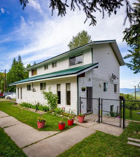 2 2401 Seventh Avenue, Rossland, British Columbia, V0G1Y0