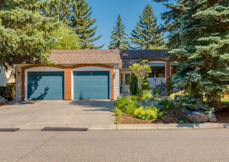 2 Varsconna Place Nw - Family room 24.83 Ft x 18.50 Ft