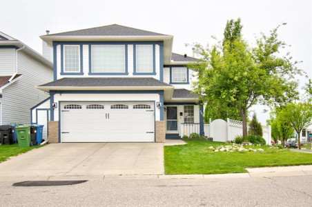 202 Scotia Point Nw in Calgary, AB : MLS# a1117684