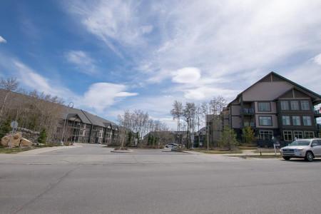 206 45 Aspenmont Heights Sw, Calgary, Alberta, T3H0E5