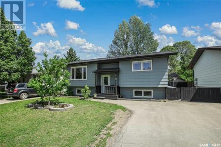 210 Russell Rd E, Silverwood Heights, Saskatoon