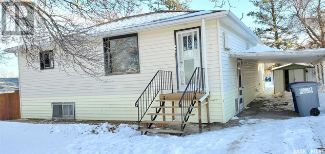 214 3rd St N in Cabri - House For Sale : MLS# sk835946