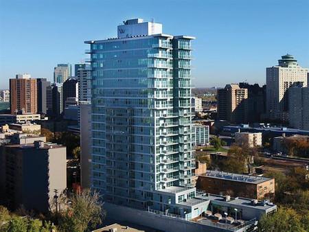 2204 390 Assiniboine Avenue Winnipeg