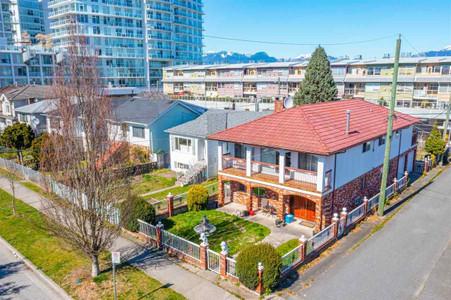 2251 E 30th Avenue in Vancouver, BC : MLS# r2568285