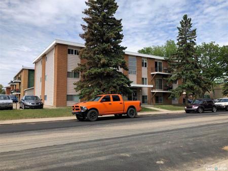 2440 Louise Street, Saskatoon