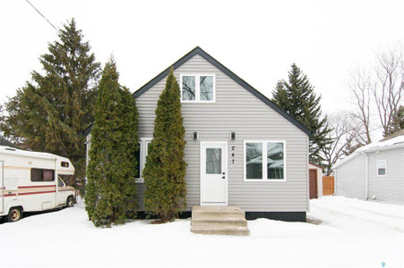 247 Maple Avenue in Yorkton - House For Sale : MLS# sk842844