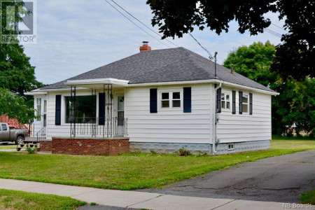 257 Sewell Street, Fredericton, New Brunswick, E3A3G5
