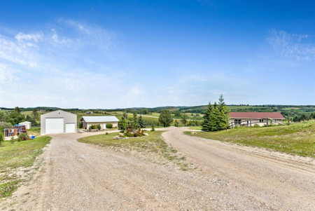 262130 210 Street W, Rural Foothills County, Alberta, T1S2Y4