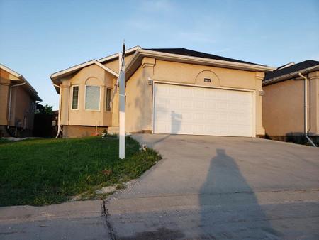 2687 King Edward St, Meadows West, Winnipeg, Manitoba, R2R0P3