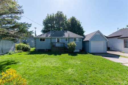 2716 Lakeshore Road, Dunnville