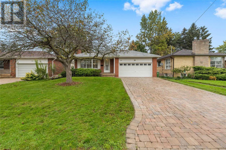 28 Elynhill Dr, Willowdale West, Toronto