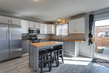 29 Abberfield Crescent Se in Calgary - Townhouse For Sale : MLS# a1091796