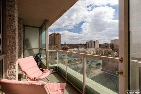 303 5th Avenue N, Saskatoon