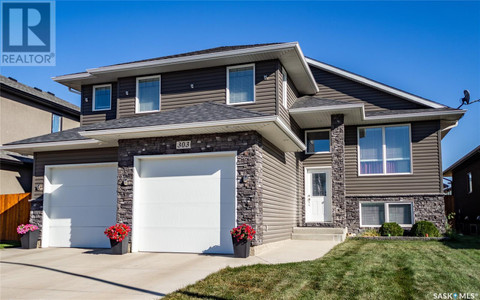 303 Roy Cres, Evergreen, Saskatoon