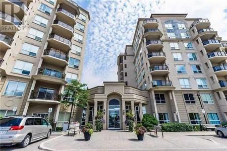308 8 Maison Parc Crt, Lakeview Estates, Vaughan