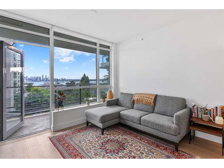 309 177 W 3rd Street, North Vancouver