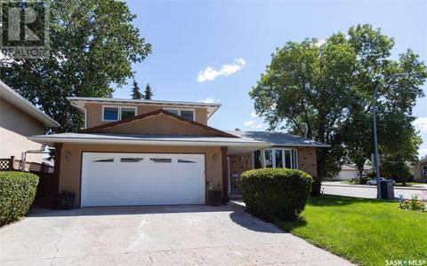 319 Fairview Rd in Regina, SK : MLS# sk854249