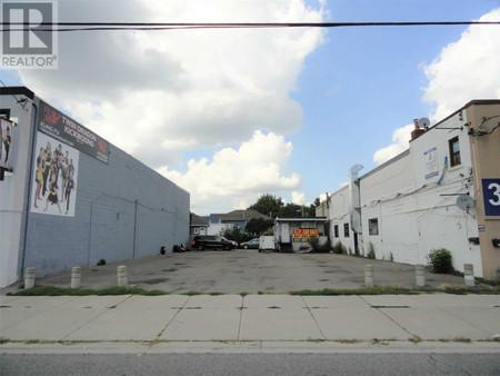 3250 Danforth Ave, Oakridge, Toronto