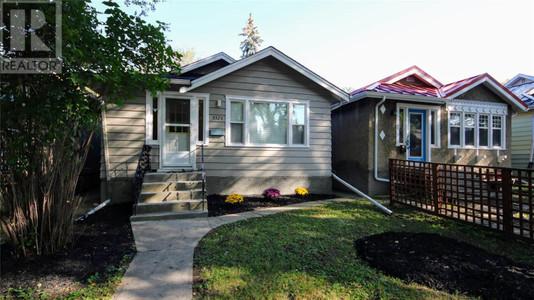 3328 15th Ave, Cathedral RG, Regina, Saskatchewan, S4T1T2