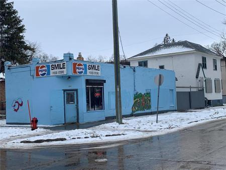 352 Manitoba Ave, Winnipeg