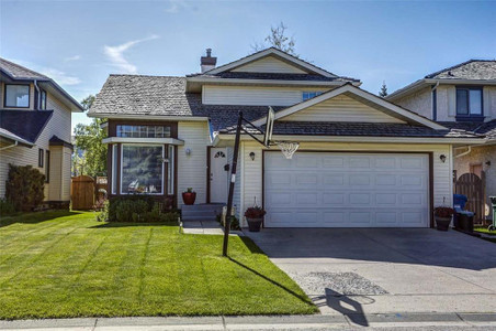 355 Douglasbank Green Se Calgary