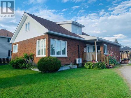 370 Tenth Ave, Cochrane, Ontario, P0L1C0